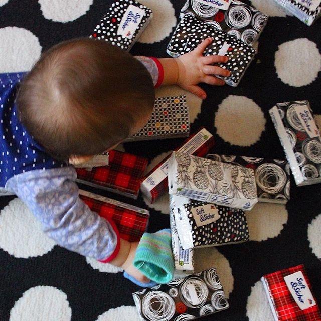mama extraterrestre actividades entretener bebe en casa bloques construccion kleenex