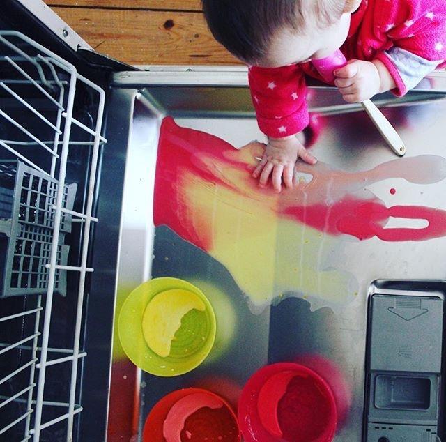 mama extraterrestre actividades entretener bebe en casa bandeja sensorial autolavable lavavajillas