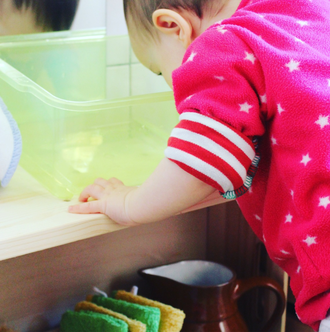 Baño Montessori Mamá extraterrestre estación lavado manos aseo espacios reducidos